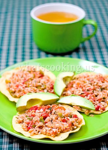 Tostadas de pescado a la mexicana