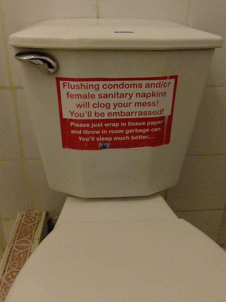 Has Condoms flushed toilet properties leaves