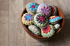 (namolio) Tags: handmade linen sewing crochet bowl pincushion crocheted pincusnions