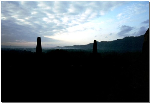 """Borobudur [5] • <a style=""""font-size:0.8em;"""" href=""""http://www.flickr.com/photos/49106436@N00/4330410326/"""" target=""""_blank"""">View on Flickr</a>"""