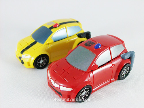 Transformers Cliffjumper Animated Activator vs Bumblebee - modo alterno