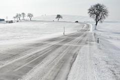Tuuline talvetee (anuwintschalek) Tags: auto road schnee winter sun white snow landscape austria wind strasse getty february lumi sonne weiss tee niederösterreich 2010 talv päike mazda5 buckligewelt valge 18200vr tuul wiesmath nikond90 künklikmaailm updatecollection ucreleased talvemaastik