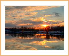 Soleil d'hiver (@lain G) Tags: soleil eau lac olympus berge ciel neige coucherdesoleil seineetmarne sablières francelandscapes