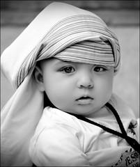 Cofradia la Humildad en Zaragoza. (Antonio Goya) Tags: portrait blackandwhite bw espaa baby cute blancoynegro face spain nikon flickr retrato top maria san