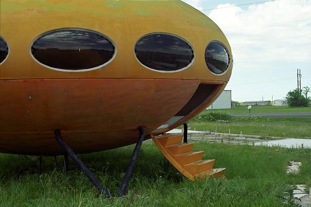 futuro-apr-2003-4