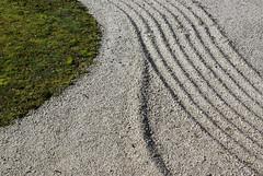 DSC09083 (hellothomas) Tags: grass oregon portland sand zen portlandjapanesegarden