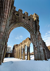 Llanthony Abbey & the Arch, Wales (welshio) Tags: uk travel winter light snow cold history scale wales buildings landscapes frozen ancient ruins scenery worship europe arch traditional religion perspective churches landmarks peaceful arches oldbuildings scene norman depthoffield romantic strong remote chilly tall welsh picturesque hayonwye sturdy priory blackmountains pictorial winterscape abergavenny wintery ancientruins monmouthshire romanticism offasdyke llanthony cadw llanthonypriory llanthonyabbey ancientmonuments themarches 1100ad classicviews llanthonyvalley williamdelacy welshabbeys normanabbeys hondduvalley augustianpriory jwmturner kilvertcountry welshlandmarks