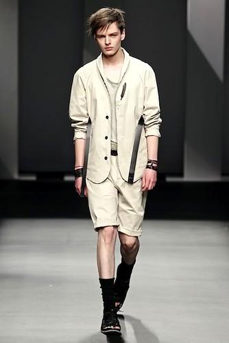 Zdenek Zaboj3092_FW10_Barcelona Fashion Week_Karlotalaspalas(lizzylily)