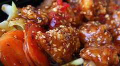"""Sesame"" Chicken w/Crisp ""Veggies"" (Just George 2) Tags: red food orange green catchycolors lunch rice cabbage carrots vcu gs canonef2470mmf28lusm sambal thaicuisine sesamechicken canoneos5dmarkii thaicabin"