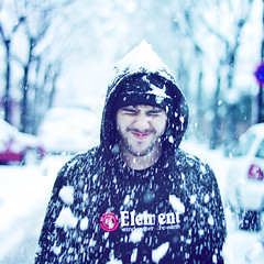 "Snow ""Explore"" (Luis Hernandez - D2k6.es) Tags: barcelona white snow black color blanco colors azul photoshop canon 50mm cafe spain nieve nevada negro bcn vic catalunya 18 frio tio cerdanyola"