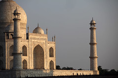 Taj Mahal India (sebastien banuls) Tags: voyage street morning travel winter cold men festival fog walking photography photographie religion foggy indie varanasi indians  indi indien hind indi ganga pradesh hodu sangam pilgrims benares uttar haridwar indland prayag  hindistan gange uttarpradesh  svastika indija  desha ndia hindustan hindus  bharata   hiduism  hindia ardhkumbhmela   sdhu  indhiya bhratavarsha bhrrowtbaurshow  hndkastan       bhrata deshamu