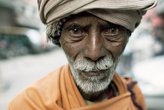 (falsalama) Tags: street portrait india delhi 24mm baba sadhu    falsalama danielgriffin