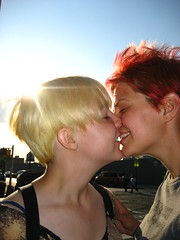 Beth_Hommel_18_Kiss