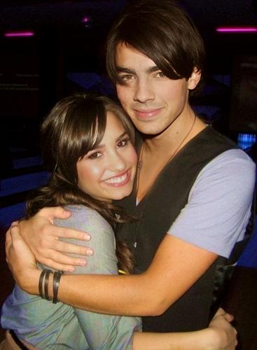 Joe-Jonas-Demi-Lovato
