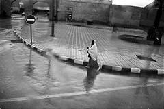 * (Laurent Filoche) Tags: bus rain streetphotography morocco maroc marrakech leicam7 notcropped bonzography kodaktrix400800 voigtlnder35mmf14