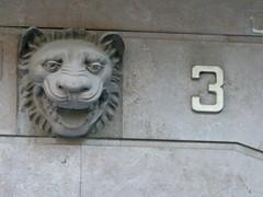 León y 3