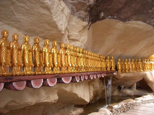 IM005322 Buddha Statues