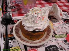 Wondercon 2010: Birthday Cupcake