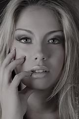 Portret Ans (Reografie) Tags: portrait woman black sexy girl studio model shoot makeup lingerie lovely portret ans beautifull spijkenisse fotoshoot visagie studiofotografie colorphotoaward studiofoto potrtret nibbie reografie