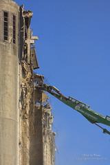 Demolition IV (Peet de Rouw) Tags: haven port rotterdam demolition silo gem sloop rozenburg ebs peet botlek maassilo graansilo sloopwerk denachtdienst peetderouw peetderouwfotografie