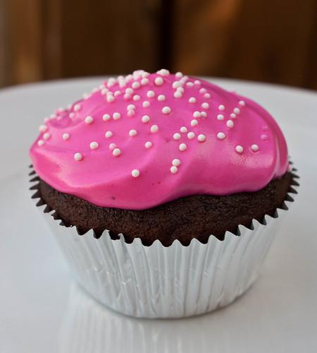 boiled icing cupcake