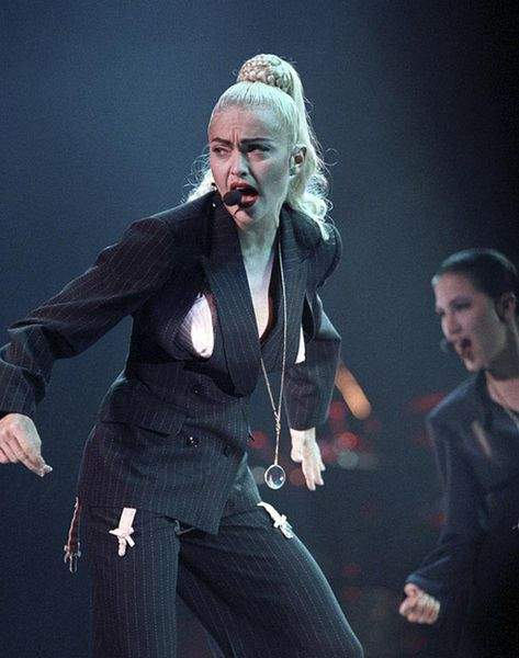 Madonna - Blonde Ambition Tour