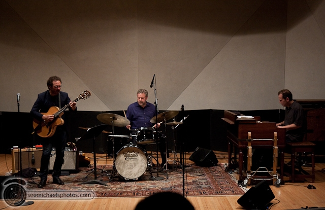 Anthony Wilson Trio at Neurosciences Institute 41410 © Michael Klayman-040