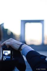La Dfense (neoweb001   www.julientordjman.fr) Tags: camera city sky cloud paris france reflection building tower canon tour dof reflet ciel bp nuage ville immeuble pdc 2010 dfense balade parisienne hbw 450d baladeparisienne julientordjman baladesparisiennes