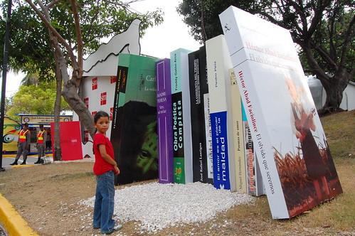 La niña y los libros