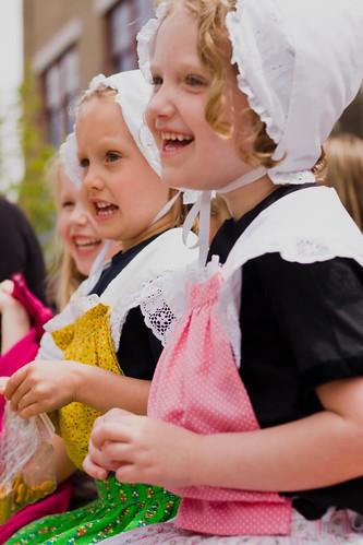 little laughing dutch girls.