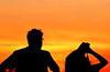 posta del sol (Edison Zanatto) Tags: sunset brazil naturaleza sun sol southamerica nature brasília brasil backlight sunrise contraluz landscape atardecer soleil nikon natureza natur laranja paisaje paisagem pôrdosol 夕陽 crépuscule landschaft sonne paesaggi ocaso sonneuntergang alvorada tarde contrejour controluce anochecer anoitecer coucherdesoleil crepúsculo nascente contrallum puestadelsol americadosul poente puestas fimdetarde luscofusco südamerika centrooeste nikond200 dilúculo postadelsol regiãocentrooeste crepúsculovespertino postadosol continentesulamericano edisonzanatto