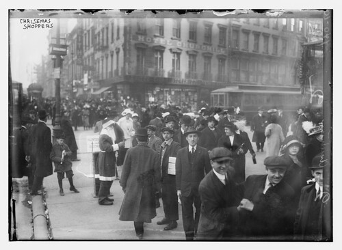 Xmas shoppers (LOC)