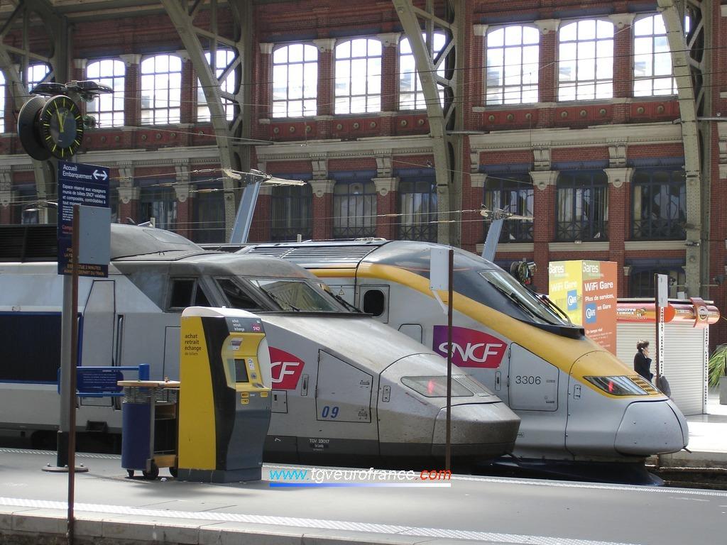 Vue de profil de deux générations de trains à grande vitesse français