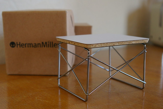 herman miller miniature 042