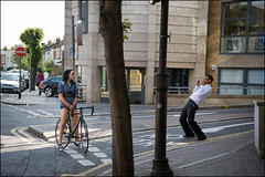 poise (Nils Jorgensen) Tags: london smile bike pose balance poise streetphotograhy bendingoverbackwards nilsjorgensen venustreet nj584941psusm75srgbcnvs08