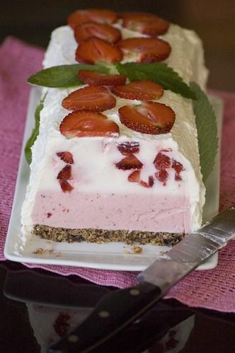 maasika-jogurtitort
