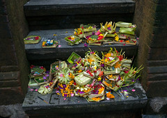 Offerings in Tirta Empul temple, Bali island, Tampaksiring, Indonesia (Eric Lafforgue) Tags: asia asian bali bali1868 balinese baskets ceremony flowers gifts hindu hinduism horizontal indonesia indonesian offerings outdoors religion religious ritualofferings sacred spiritual spirituality tampaksiring tirtaempul tradition traditional baliisland