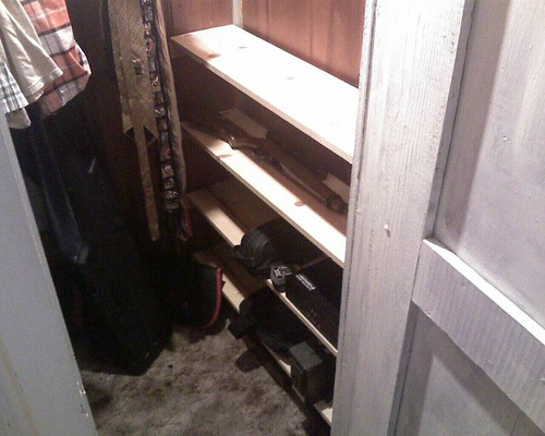 My new shelfs in my closet are done. by maximuszts.