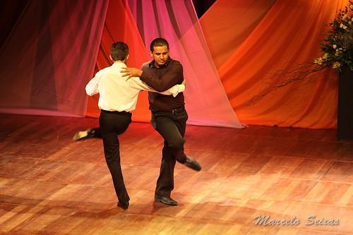 Risultati immagini per tango masculino