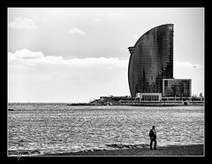W and a man (Paco CT) Tags: barcelona people urban blackandwhite bw blancoynegro water architecture arquitectura agua cityscape gente candid w bn personas barceloneta urbano persons urbanscape 2010 paisajeurbano bofill efh robado elfactorhumano thehumanfactor humanpresence pacoct presenciahumana