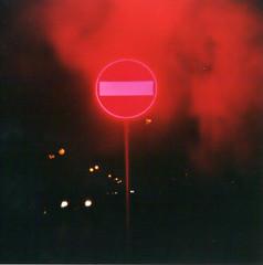 ~ (Celesis) Tags: smoke flash vignetting rosso segnale fumo divieto holga120cfn lomografia toytografia celesis