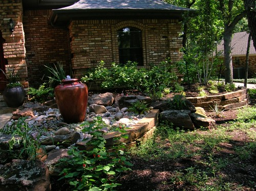 Retaining wall patios