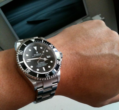 previewRolex Submariner Green On Wrist