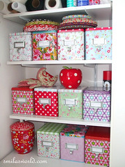 Boxes (Smilas World) Tags: art home kitchen colors design blog blogged boxes interiordesign smila homedecoration tinboxes greengate housedoctor pipstudio smilasworldcom