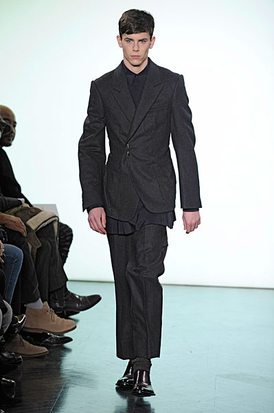 Jeremy Young3145_FW10_Paris_Yves Saint Laurent(nikestav10@mh)
