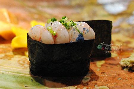 龜山島的帶卵蝦母軍艦