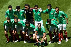 Seleccion Mexicana (Futbol News MX) Tags: mexican tricolor tri 2009 eliminatorias seleccion estadioazteca concacaf seleccionmexicana cuauhtemocblanco guillefranco mexicovsusa andresguardado memoochoa giovanidossantos