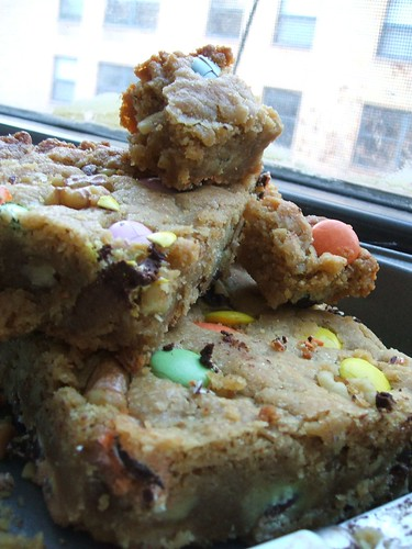 blondies with vegan m&ms