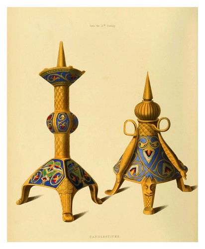 001-Candelabros siglo XII-Dresses and decorations of the Middle Ages 1843- Henry Shaw