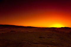 [フリー画像] 自然・風景, 砂漠, 夕日・夕焼け・日没, アルジェリア, サハラ砂漠, 201003160100